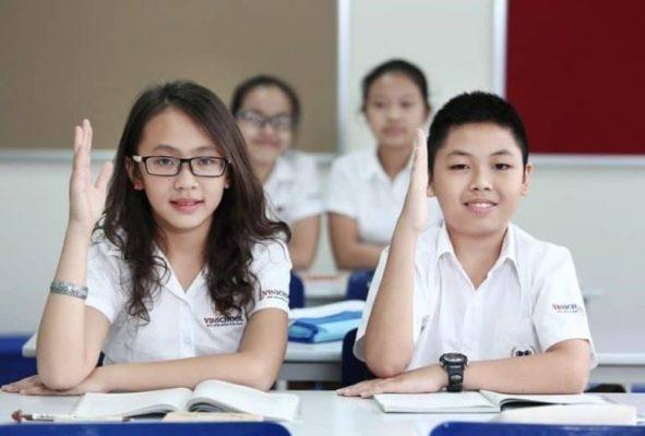 Lớp 9 là năm học vô cùng quan trọng nhưng cũng đầy thử thách với các em